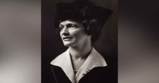 ন্যান্সি অ্যাস্টর: দুনিয়ার আইনসভায় প্রথম নারী