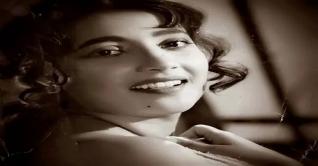 কিংবদন্তি অভিনেত্রী সুচিত্রা সেনের মৃত্যুবার্ষিকী কাল