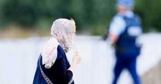 গোটা নিউজিল্যান্ডের নারীরা স্কার্ফে মাথা ঢাকবেন আজ