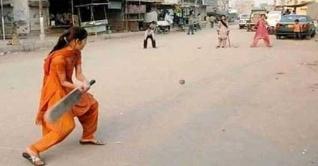 পাকিস্তানে জনপ্রিয় হচ্ছে নারী ক্রিকেট!